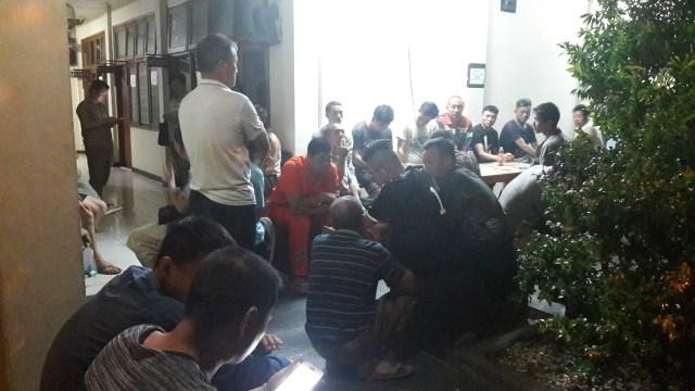 Gila, Polisi Amankan Puluhan Pekerja Asal China Gunakan Motor Bodong