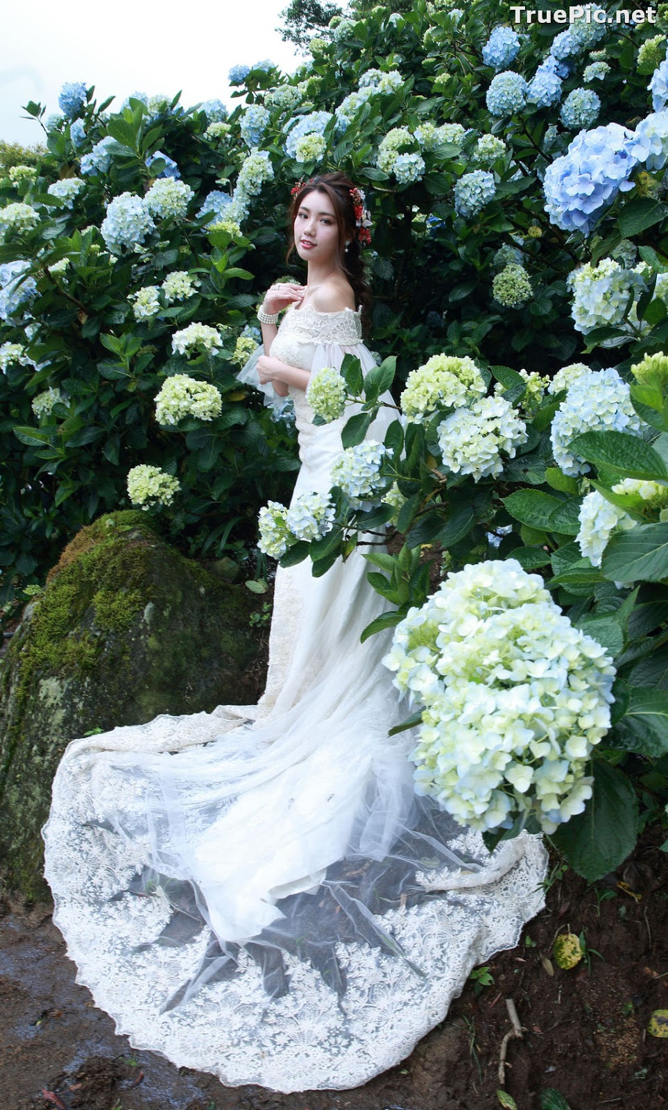 Image Taiwanese Model - 張倫甄 - Beautiful Bride and Hydrangea Flowers - TruePic.net - Picture-6