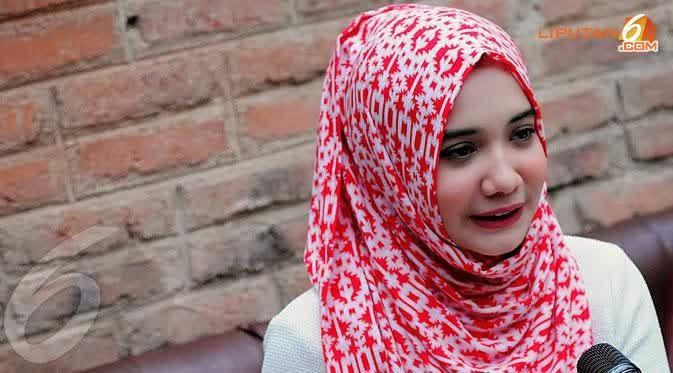 hijab Zaskia Sungkar terbaru