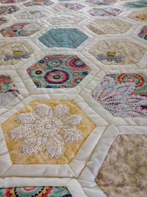 Buzzing and Bumbling: Hexed by a Hexagon! : large hexagon quilt - Adamdwight.com