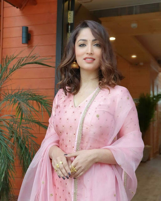 Yami Gautam in Traditional Dress HD Wallpapers 2020