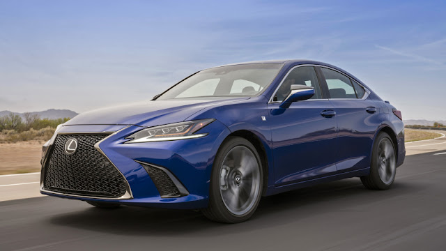 2019 Lexus ES First Drive Review | Entry-level luxury that wants to have fun