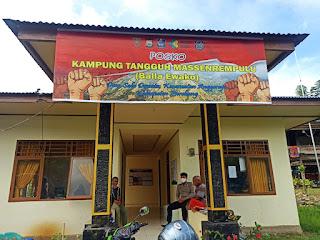 Bhabinkamtibmas Polsek Anggeraja Polres Enrekang Kontrol Kampung Tangguh Balla Ewako di Desa Salu Dewata