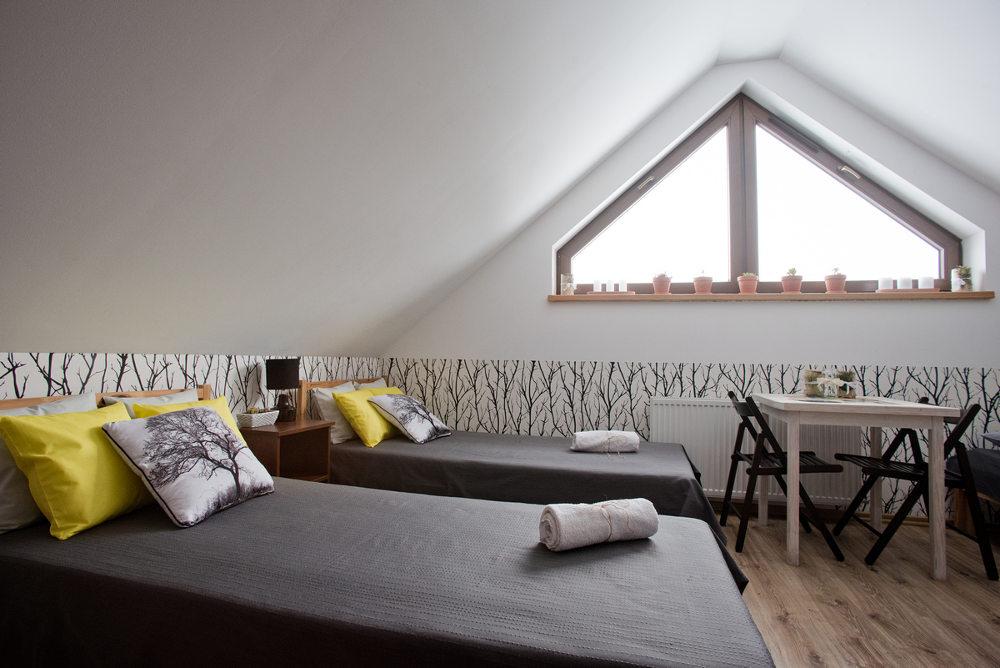 noclegi w Beskid Niski, dwa łóżka  pojedyncze