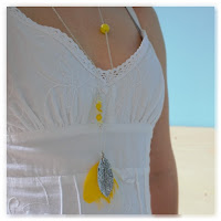 sautoir plume jaune