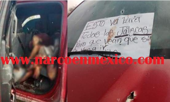 Sicarios del Señor Mayo Zambada abandonan cuerpos de 10 hombres y 2 mujeres en dos trocas con un mensaje para el CJNG