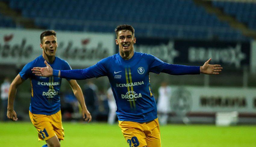 NK Publikum Celje vs Dundalk 0h00 ngày 20/8 www.nhandinhbongdaso.net