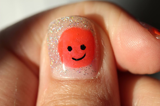 Easy smiley face nail art holographic tutorial