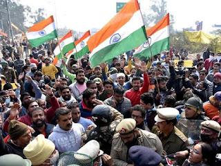 किसानों की नई रणनीति, दिल्ली बॉर्डर पर कम की जा रही है भीड़