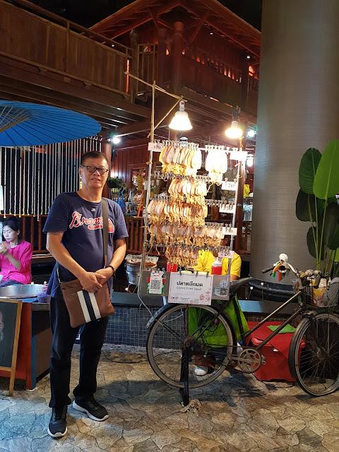 Menikmati Keindahan Objek Destinasi Wisata di Ayutthaya Thailand, bersama Private Tour Guide RIANA