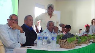 Ministro de Agricultura Osmar Benítez anuncia el cultivo de Dos Mil tareas de Uva Red Globe en el Valle de Neiba.