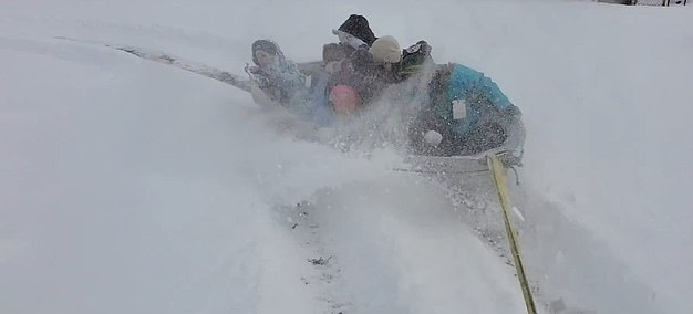 A family vacation on the streets of Colorado, USA ... A funny way to enjoy the snow in America