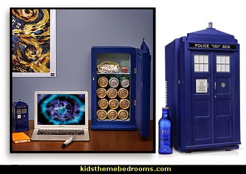 Doctor Who bedroom - Doctor Who themed bedroom ideas - decorating Doctor Who theme -  Doctor Who decor - Doctor Who Bedding - dr who bedroom ideas - Dr Who Tardis - doctor who