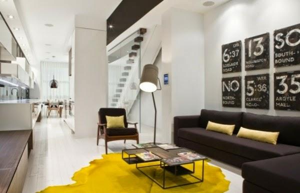 sala en gris y amarillo