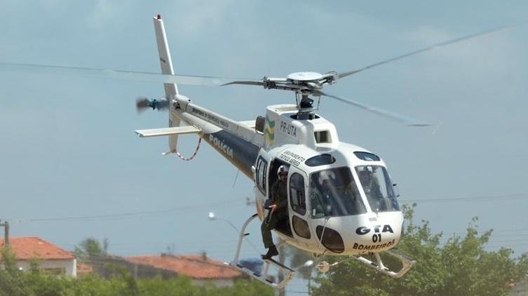 Viatura da polícia é arrombada, três coletes à prova de balas são levados e helicóptero é acionado