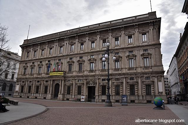 Milano ai tempi del coronavirus, palazzo Marino