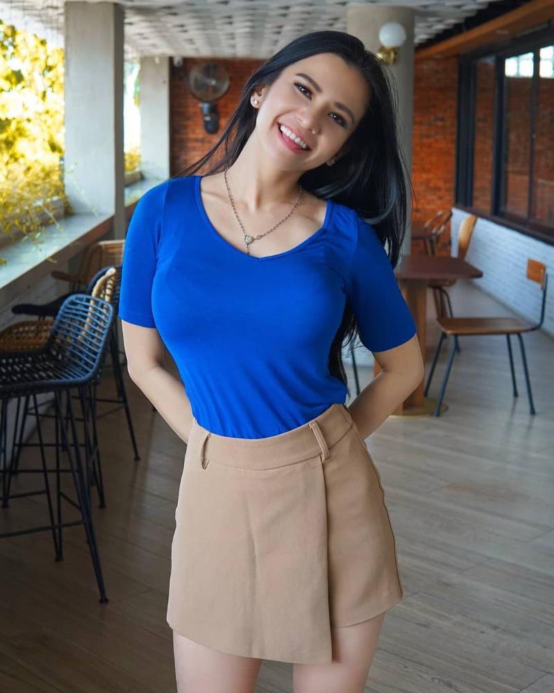 Maria Vania Sexy Bluse t Shirt tight black hair