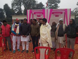सपा नेता राहुल उपाध्याय ने किया खिचड़ी भोज का आयोजन    #NayaSaberaNetwork