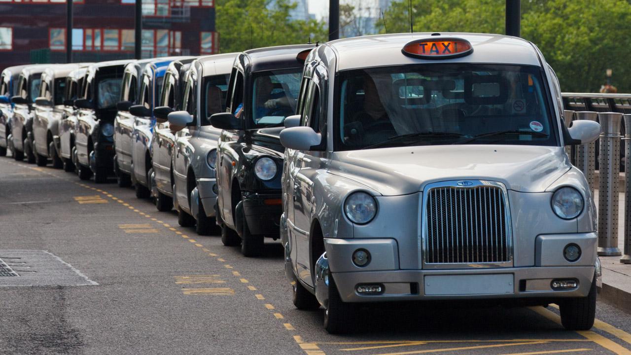 London Taxis - Chiếc xe biểu tượng của London, Anh