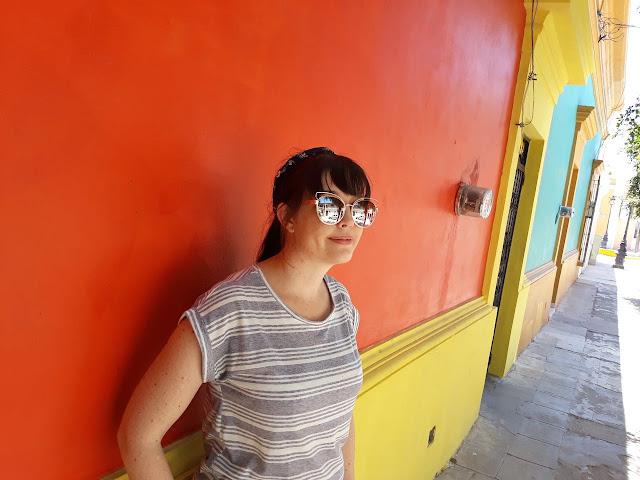 Brightly coloured walls - El Fuerte, Mexico