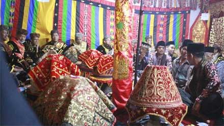 Suku Panyalai Nagari Paninggahan Acara Malewakan Gala Pusako