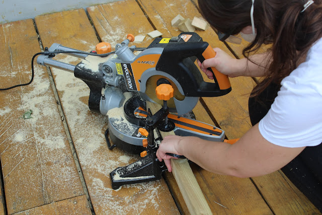 evolution mitre saw in use