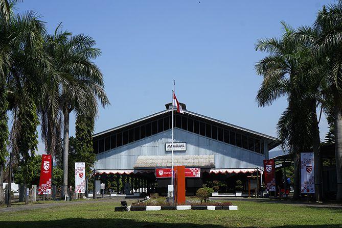 Area terbuka di Museum Kereta Api Ambarawa