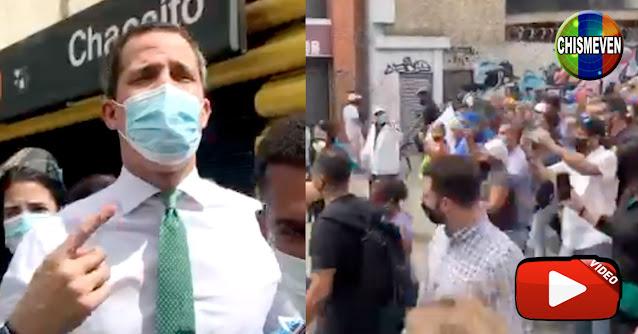Juan Guaidó paseó por las calles de Sábana Grande y ni te imaginas lo que ocurrió