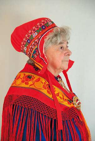 FolkCostume Embroidery  Overview of Saami costume 8c18a887fcf