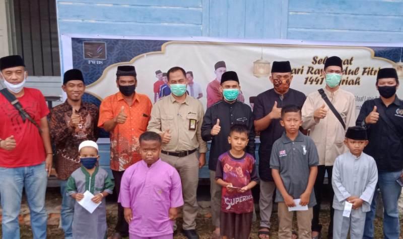 Sambut Idul Fitri,  FWBS Santuni Anak Yatim dan Kaum Dhuafa dan Dihadiri Camat Bukit Batu