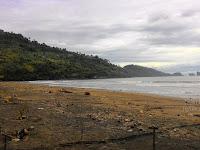 """Pesona Pantai Konang """" Keindahan di Bawah Hembusan Angin Laut Selatan"""""""