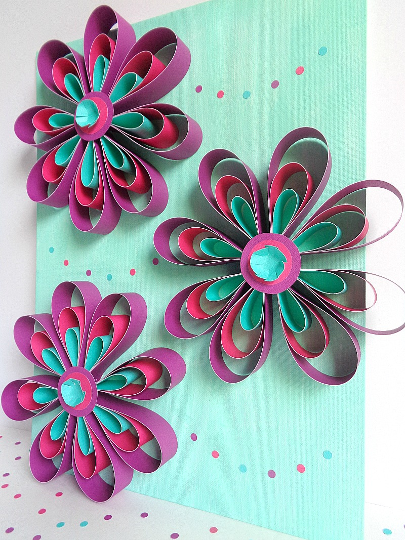 Running With A Glue Gun: DIY: Paper Flower Wall Art