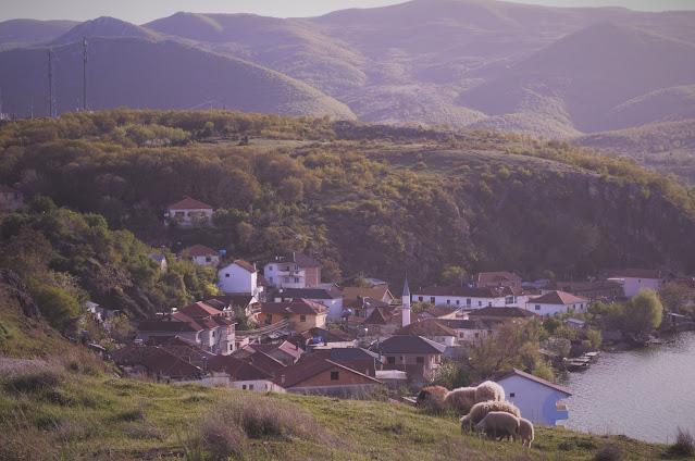 Peninsula Lin, Albania