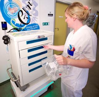 Hastane içinde ilaç vb malzemeleri MiR mobil robot ile taşımak güvenli ve hızlı