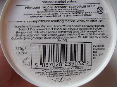 Bomb Cosmetics telový peeling zloženie