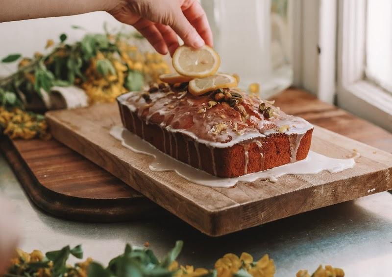 Rêveuse Recipe: Pistachio Lemon Drizzle
