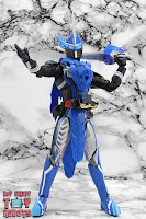 S.H. Figuarts Kamen Rider Blades Lion Senki 20