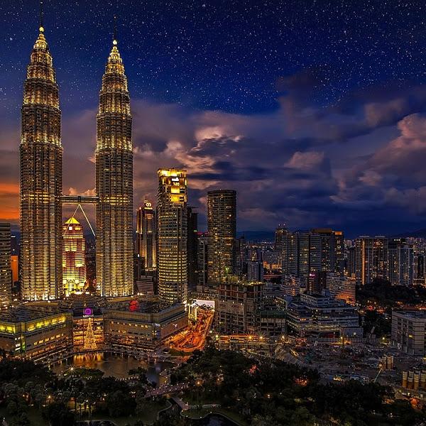 10 Hal Menarik di Area Twin Tower Petronas - Kuala Lumpur yang Patut Untuk di Singgahi