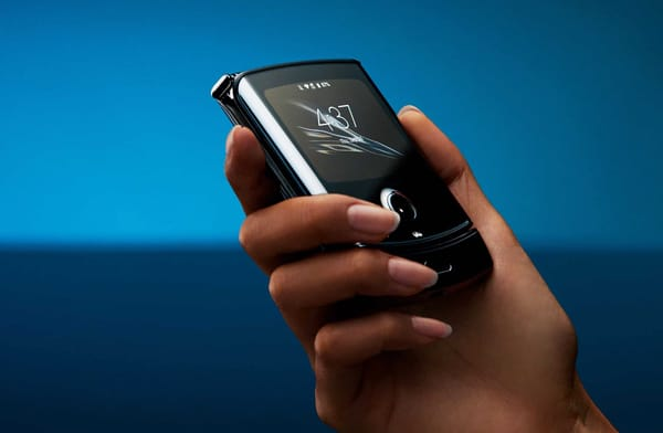 Motorola announces Motorola Razr shipping deadline until February 18