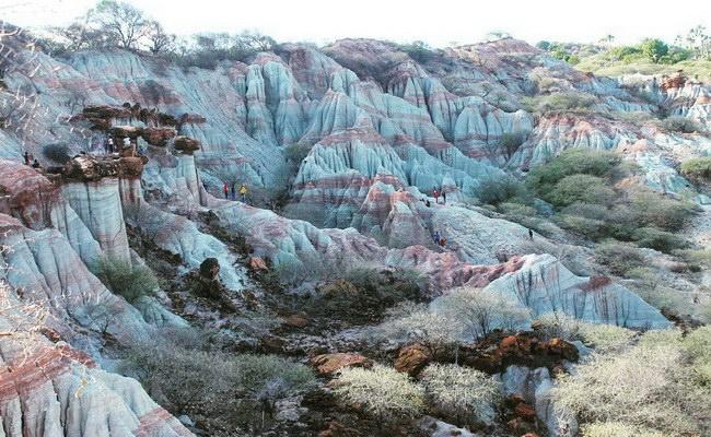 www.xvlor.com Kelebba Maja is ornate gradation-colored cliff to worship the Madja god