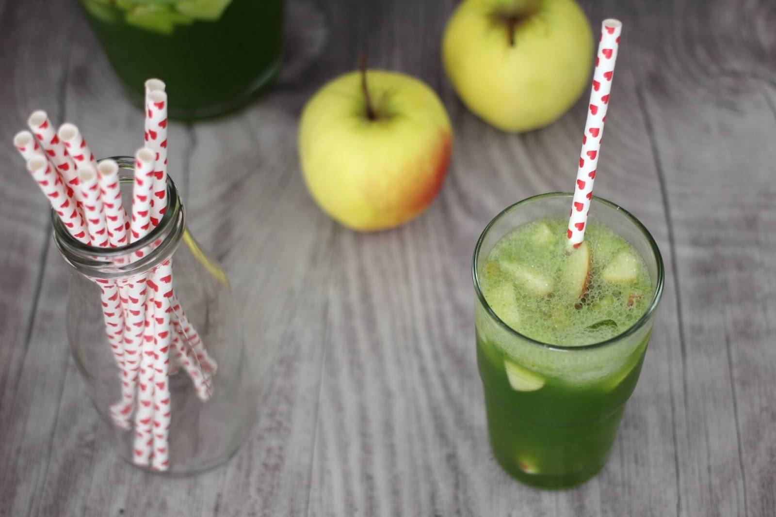 Basilikumlimonade mit Apfel