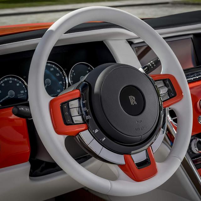 Rolls Royce Cullinan Laranja