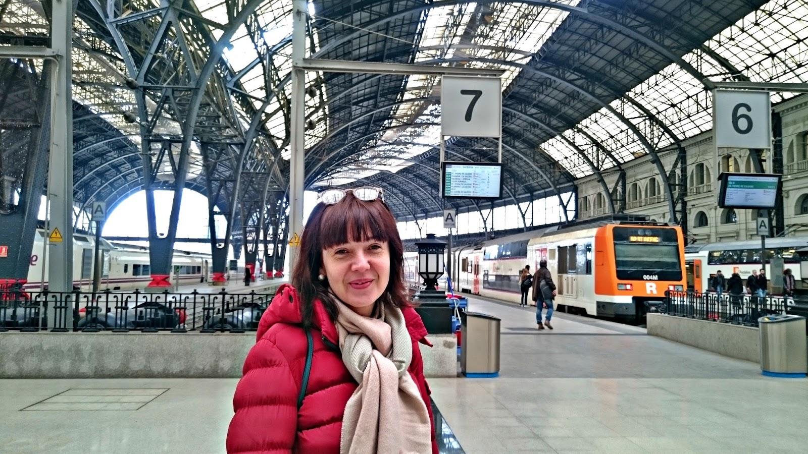 Lumen estaci n de francia barcelona for Precio tren nocturno barcelona paris