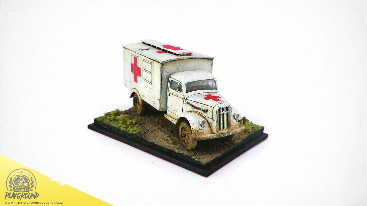Kfz_305_Ambulance_0005.jpg