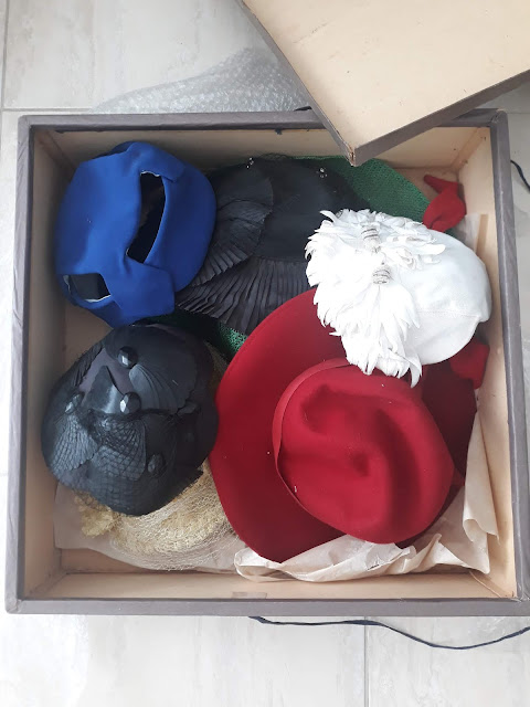 Chapéus vintage figurino