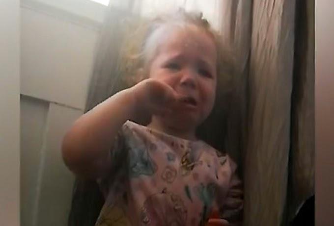 Σπαράζει ΣΤΟ ΚΛΑΜΑ μικρό κοριτσάκι....Μικρούλα δεν αντέχει άλλο το κλείσιμο στο σπίτι και με δάκρυα παρακαλά να βγει έξω....!! (ΒΙΝΤΕΟ)