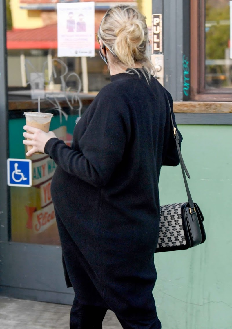 Pregnant Emma Roberts  Out for Coffee in Los Angeles 10 Dec-2020