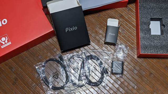 pixioモバイルモニター付属品写真