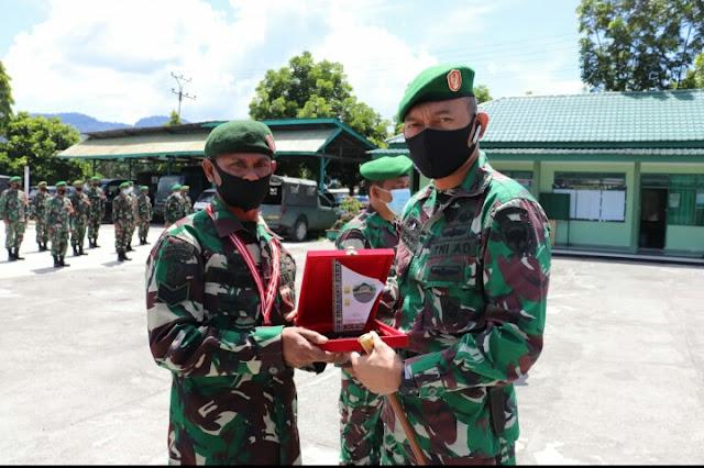 Dandim 0106 Aceh Tengah Letnan kolonel Inf  Teddy Sofyan S.Sos Lepas Anggota Purna Tugas