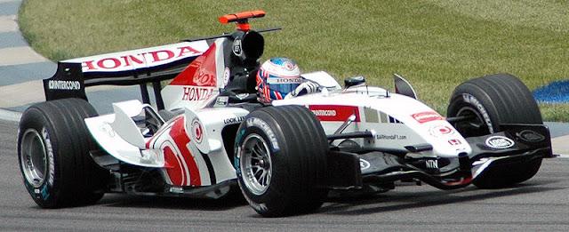 Gambar Mobil Balap F1 British American Racing 01